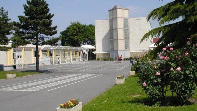 photo Collège.jpg